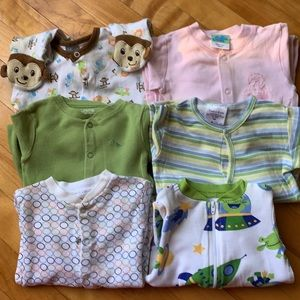 Lot of Footed Sleeper Pack (6 Pieces)
